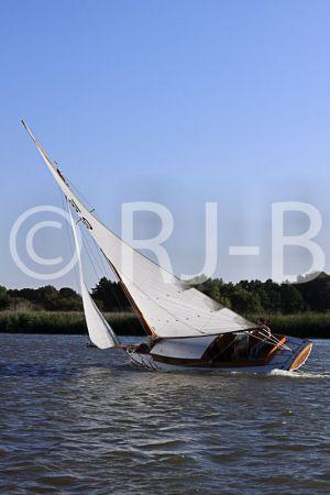 c24-OultonWk09N672.jpg