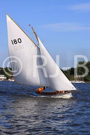 c48-OultonWk09N700.jpg