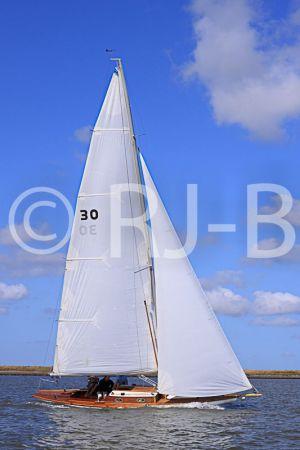 c92-YNR09N320.jpg